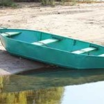 В Берёзовском районе утонул рыбак, который прыгнул в воду за веслом