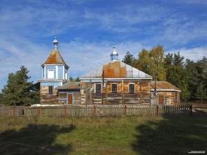 Деревянная церковь в деревне Малые Мурины